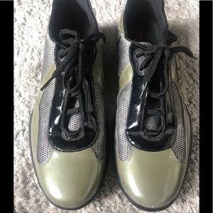 Mens used authentic prada sneakers sz 8